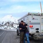 Casal atravessa América em carro movido a óleo de cozinha usado