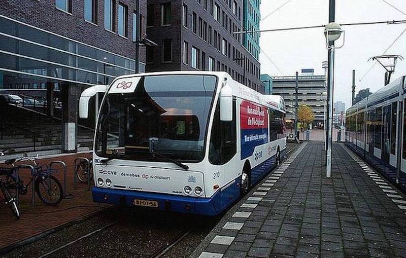 Governo de Amsterdã promete: até 2025 todos os seus ônibus serão elétricos