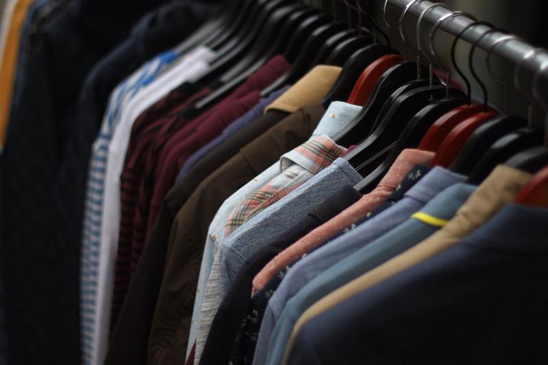 Doe roupas antigas para reciclagem e ganhe 20% de desconto em roupas novas