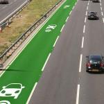 Conheça a estrada que carrega carros elétricos em movimento