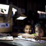 Tecnologia transforma fotossíntese em energia para crianças da região rural do Peru estudarem