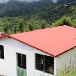 Startup constrói (em 1 semana) casas populares com plástico encontrado no lixo