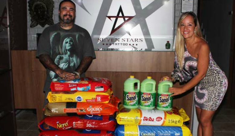 Em vez de presentes de casamento, casal pede doação de ração para animais carentes
