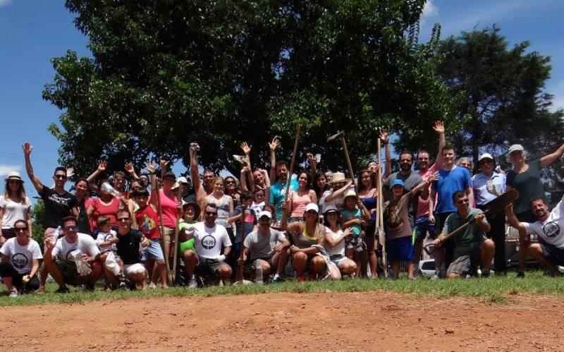 Moradores de SP se únem para criar miniflorestas públicas na cidade
