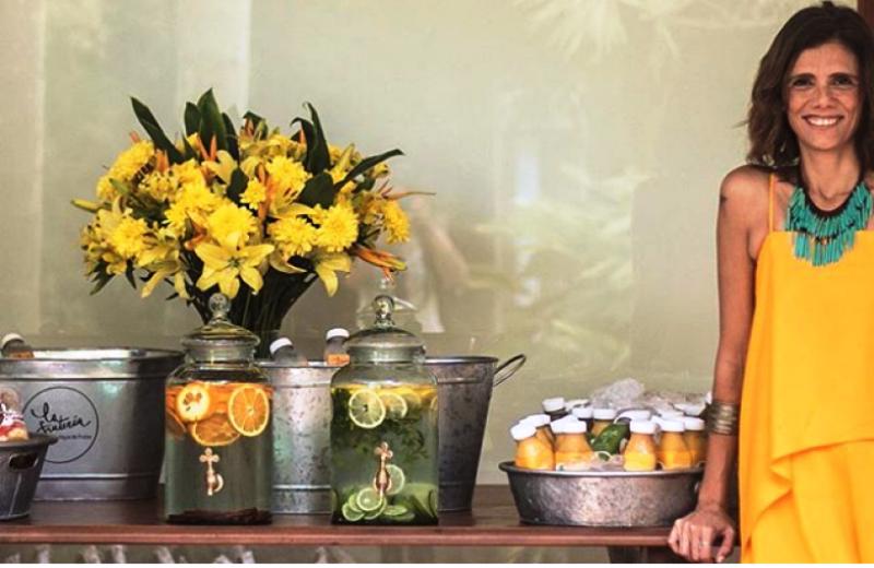 Chef brasileira funda 1ª escola do país especializada em alimentação saudável