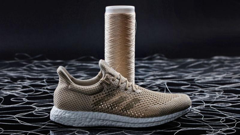 Adidas cria tênis feito a partir de teia de aranha (que se decompõe em 36 horas quando descartado)