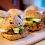 Aprenda a fazer um delicioso hambúrguer vegetariano de quinoa e tofu