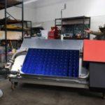 O sistema que purifica 2 mil litros de água por dia com energia solar (e ainda gera eletricidade para quem não tem)