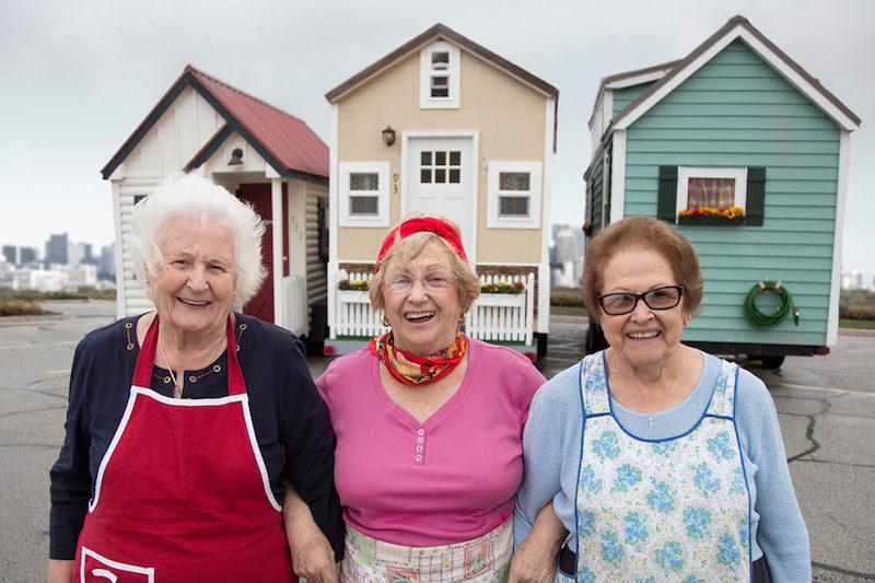 Cresce número de idosos que optam por estilo de vida mais simples e moram em minicasas sustentáveis