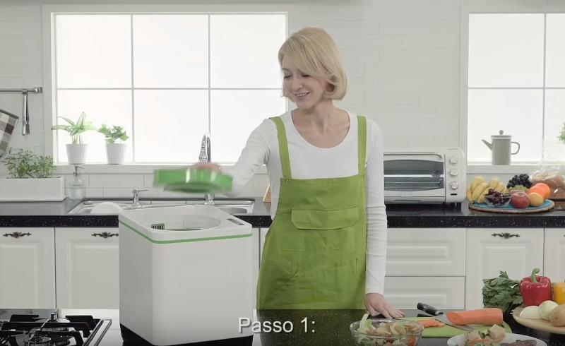 A composteira elétrica que transforma 1 kg de lixo orgânico em adubo em apenas três horas