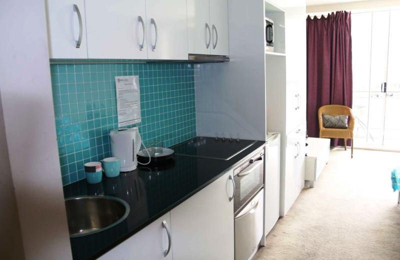 Hotel desocupado na Austrália oferece quartos para moradores em situação de rua morarem
