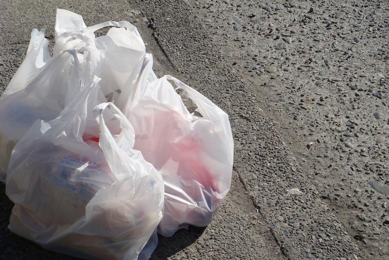 Nova lei do Quênia irá punir fabricantes e usuários de sacolas plásticas