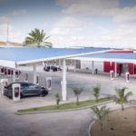 Tesla inaugura maior estação do mundo com supercarregadores e aposta em carros elétricos