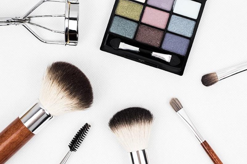 Marca de cosméticos famosa ganha certificação por não testar em animais