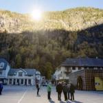 Na Noruega, espelhos são usados para refletir luz do sol durante período sombrio