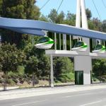 Veículo movido a pedaladas (que anda por cima de pedestres) pode ser opção de transporte público