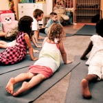 Alunos de escola em SP melhoram notas com yoga