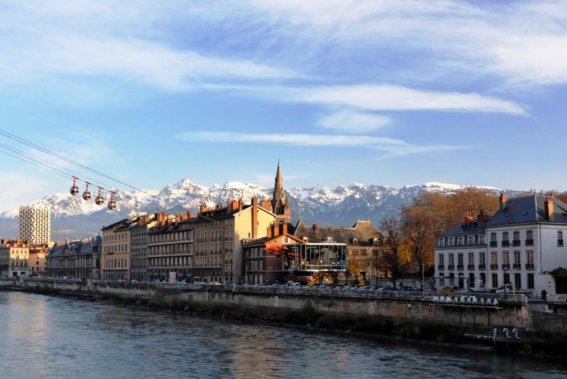 A cidade da França que substituiu os outdoors por árvores