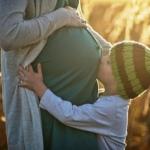 Comissão aprova aumento da licença-maternidade no Brasil para um ano