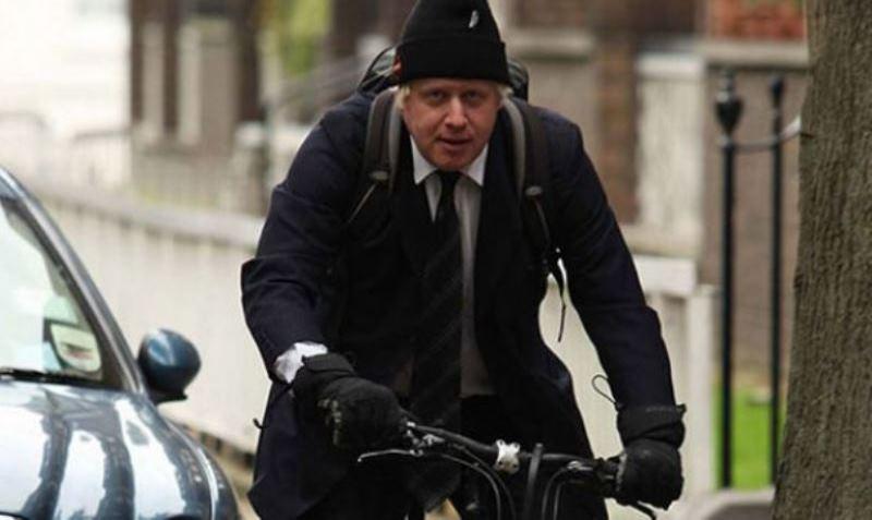 Políticos de Londres só podem usar transporte público