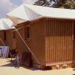 Arquiteto constrói abrigos de papel para socorrer vítimas de desastres naturais