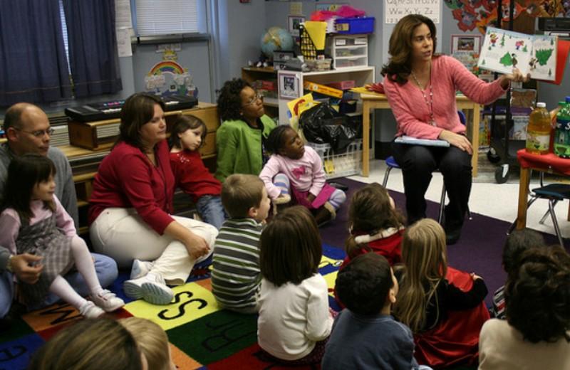 Pais podem ganhar direito a folga no trabalho para ir a reuniões escolares