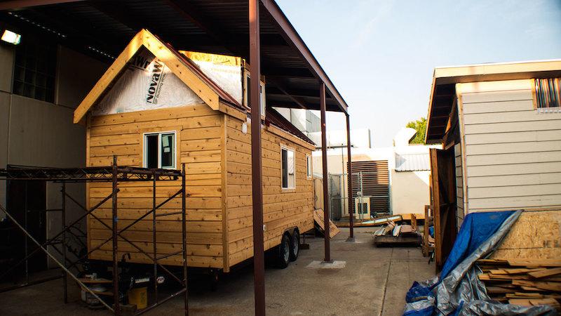 Tutorial ensina a construir sua própria casa minimalista