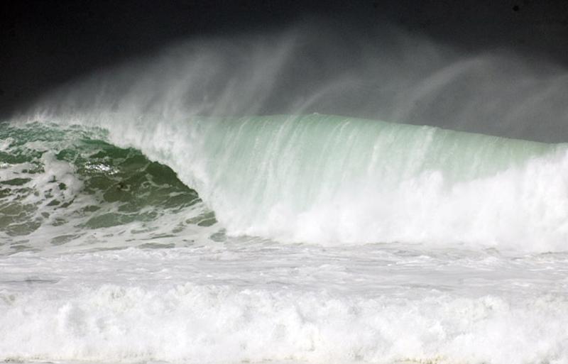 Apple vai investir US$ 1,5 milhão em pesquisas para gerar energia com as ondas do mar