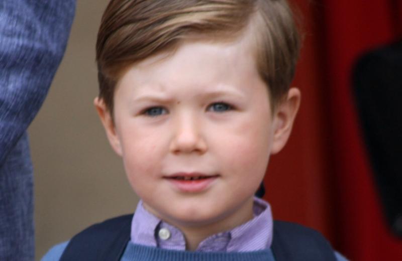 Príncipe da Dinamarca estuda em escola pública desde os 6 anos de idade