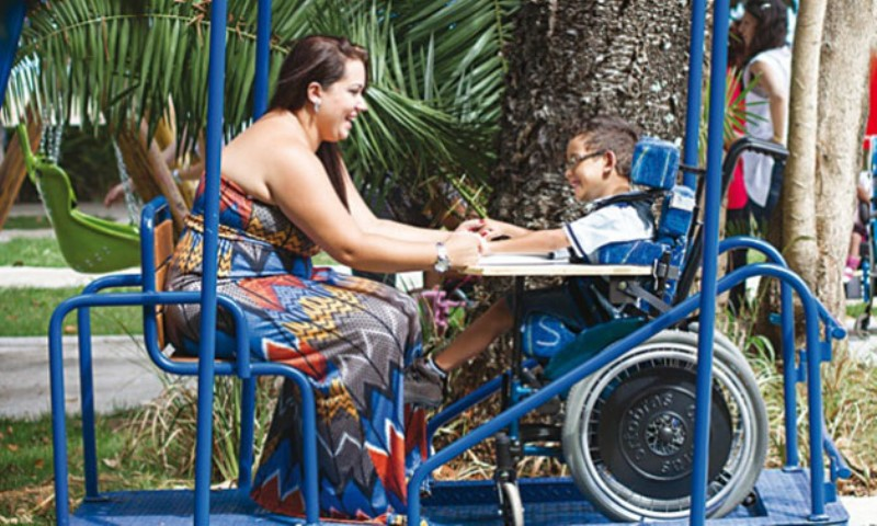 Conheça o 1º parque público do Brasil para crianças com deficiências físicas