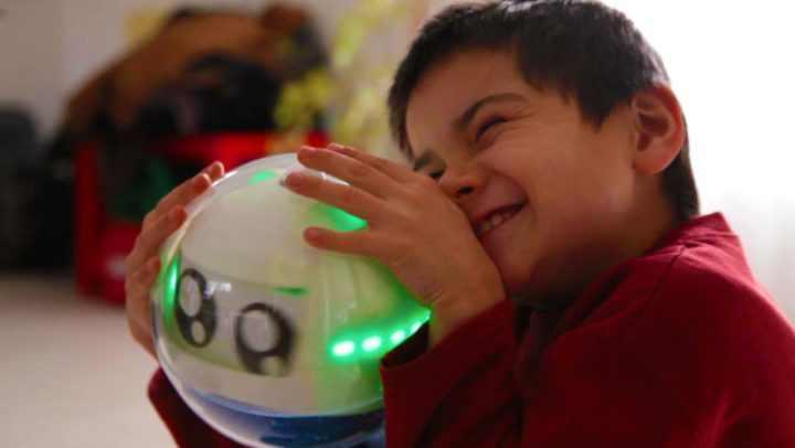 O robô que ajuda crianças com autismo a se desenvolver