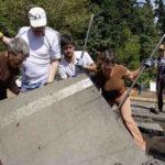 A organização especializada em substituir áreas de concreto por jardins comunitários (sem mudar suas características!)