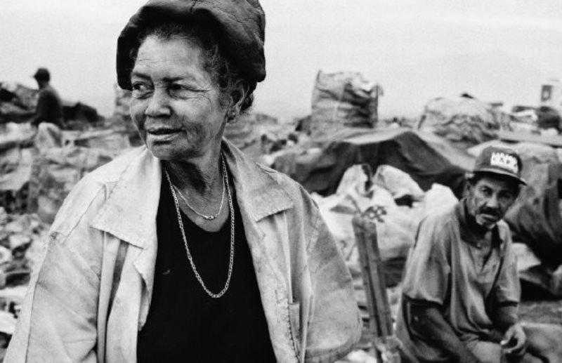 Documentário vai contar histórias de vida emocionantes de mulheres que são catadoras de recicláveis