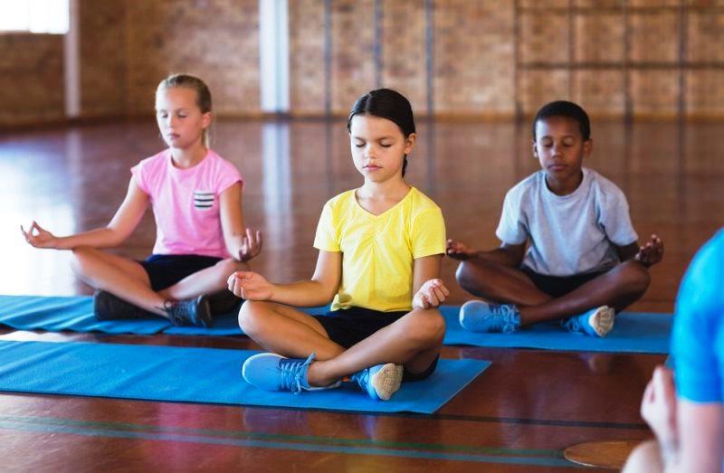 Escola troca punições por momentos de meditação (e casos de mau comportamento diminuem)