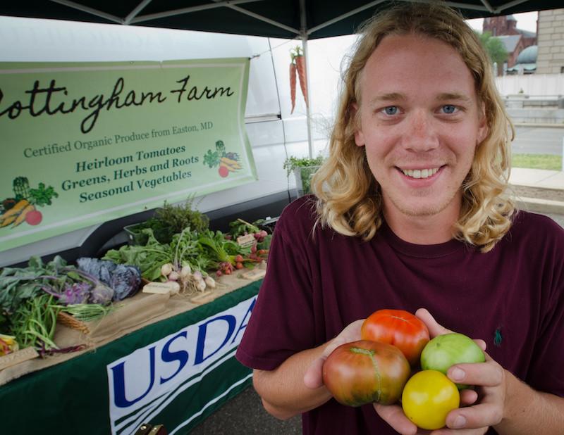 Homens que comem mais frutas e vegetais têm cheiro mais atraente para mulheres, diz estudo