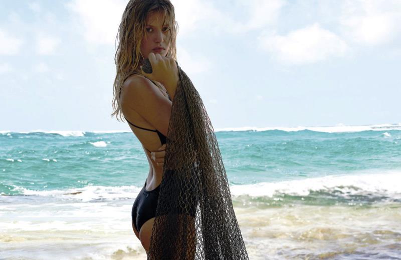 Marca lança coleção de biquínis feitos com redes de pesca encontradas no oceano