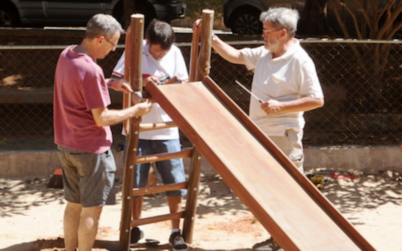 Manual online gratuito dá dicas para cidadãos comuns revitalizarem praças próximas de casa