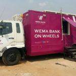 O banco móvel (movido a energia solar) que leva serviços financeiros às regiões mais remotas da África