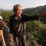 O homem que trabalhou 36 anos cavando uma montanha para garantir água para seu vilarejo