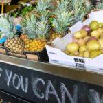 Supermercado social oferece (de graça!) a quem não tem alimentos e itens de higiene que seriam descartados