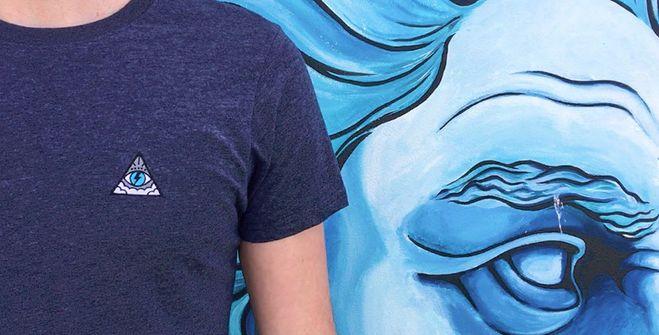 A marca que vende camisetas feitas com tecido de plástico reciclado e restos de algodão orgânico