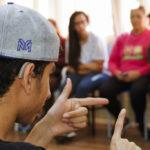 Brasil cria Centrais de Libras para facilitar acesso de deficientes auditivos aos serviços públicos