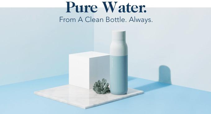Garrafa inovadora que não polui e purifica a água sozinha revoluciona no mercado