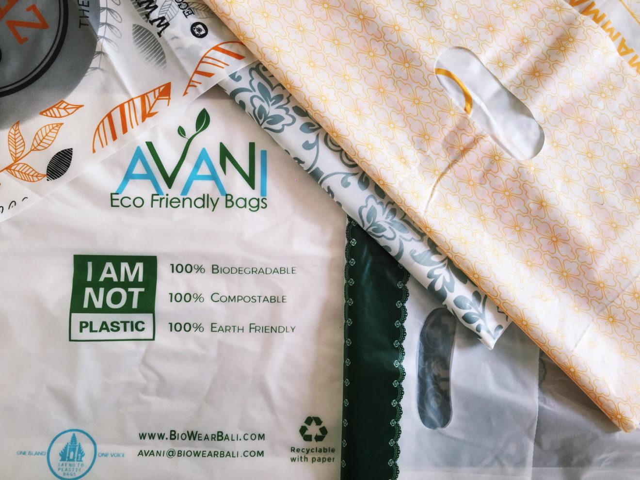 """Chega de produzir lixo! Indonésia cria """"sacolas plásticas"""" comestíveis e biodegradáveis"""