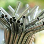 Chega de descartáveis! A empresa brasileira que produz canudos de inox como alternativa aos de plástico