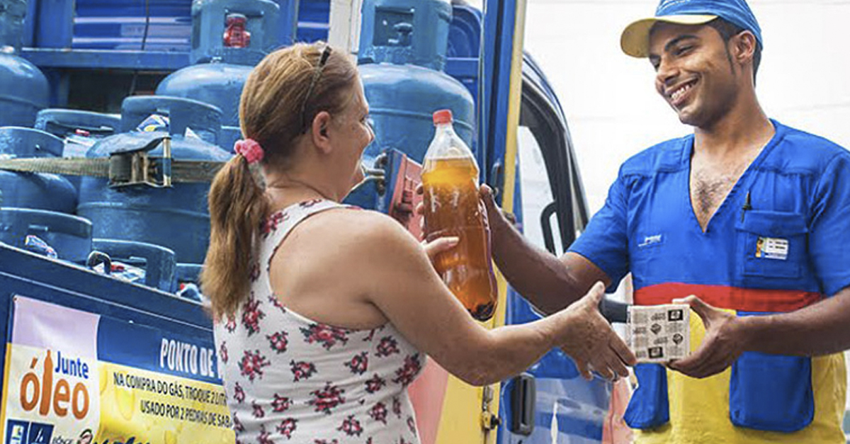 Campanha Junte Óleo distribui duas barras de sabão biodegradável a cada dois litros de óleo de cozinha  usado