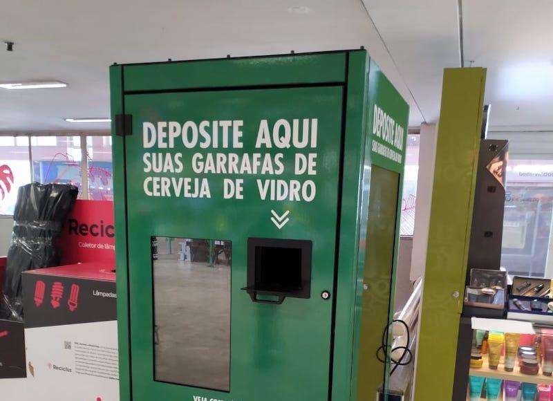 Supermercados de SP trocam garrafas de vidro por dinheiro. Veja como participar!