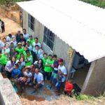 Projeto constrói casas sustentáveis para famílias pobres em até dois dias