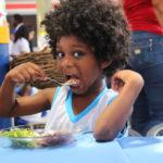 Como as escolas podem nos ajudar a enfrentar a má nutrição no mundo?