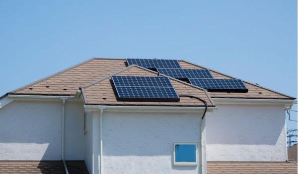 Painéis solares residenciais ajudam reduzir conta de luz em até 95%